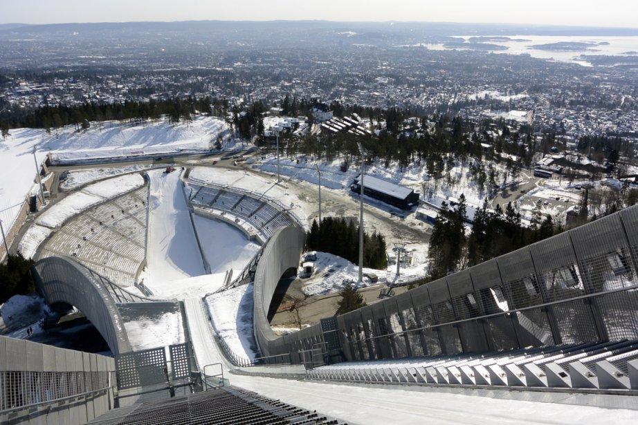 Le tremplin de Holmenkollen, au pied duquel se trouve le Musée du ski. (Photo Bernard Brault, La Presse)