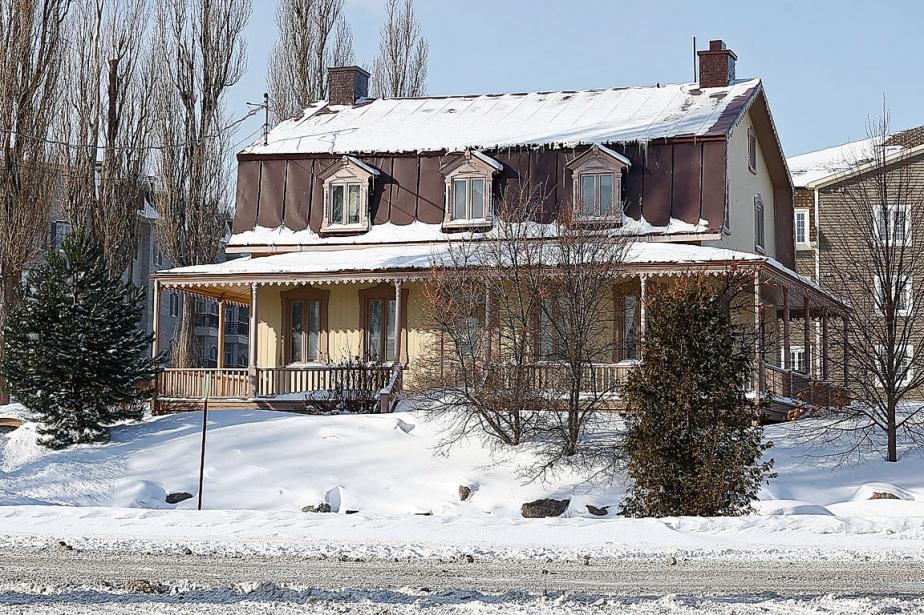 Maison ancestrale menac e l 39 ancienne lorette annie morin la capitale - Ancienne usine a vendre ...