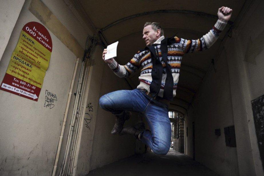 Un des militants de Greenpeace arrêté en Russie... (Photo AFP)