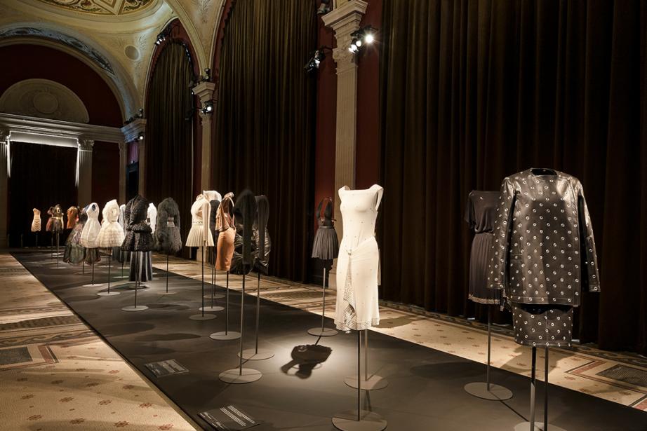 La Grande Galerie accueille l'espace principal de l'exposition,... (Photo fournie par le Palais Galliera)