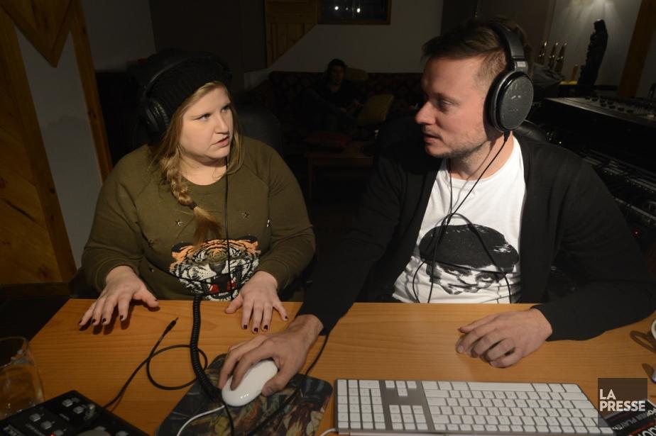 Sarah Bourdon et Guillaume Chartrain dans le studio... (Photo Bernard Brault, La Presse)