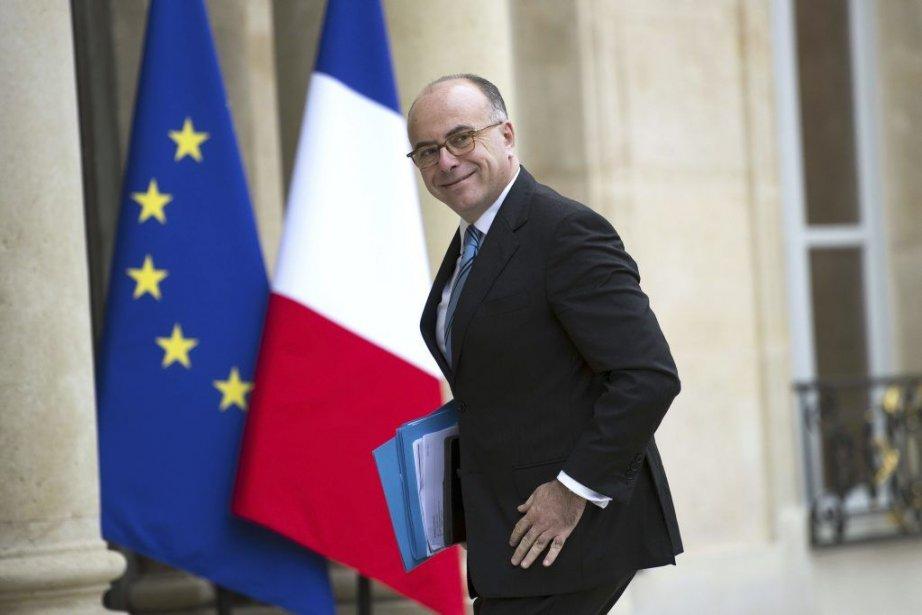 Le ministre délégué au Budget français, Bernard Cazeneuve.... (Photo Lionel Bonaventure, AFP)