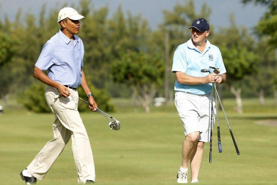 Barack Obama jouait au golf jeudi avec le... (PHOTO KEVIN LAMARQUE, REUTERS)