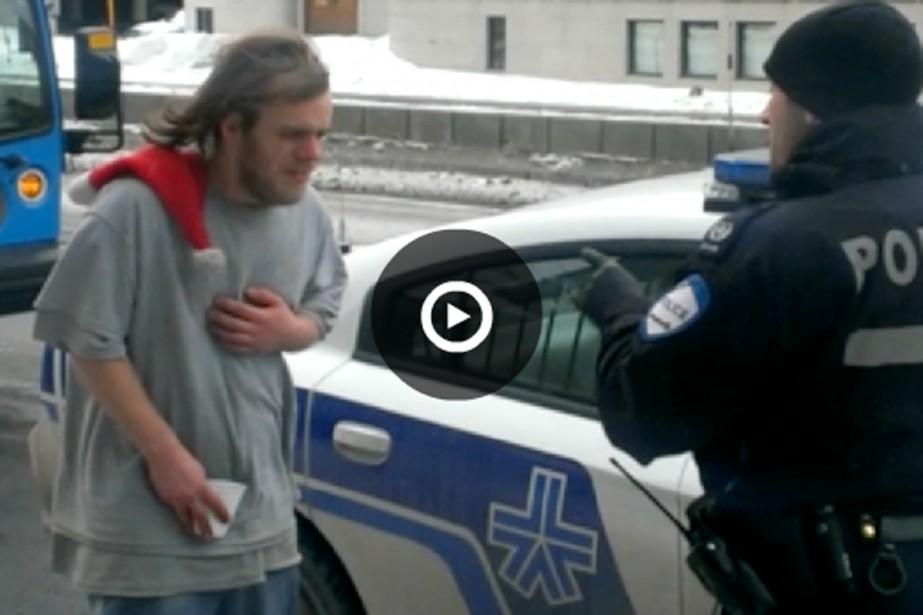Rencontre homme fonctionnaire-de-police