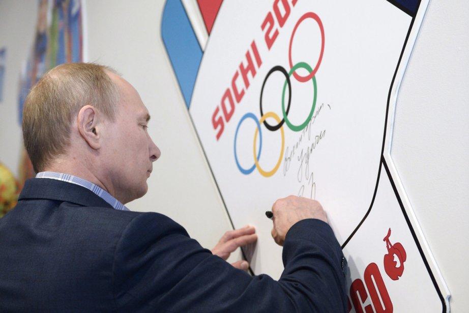 Vladimir Poutine était à Sotchi samedi pour inspecter... (Photo Alexei Nikolsky, AP)