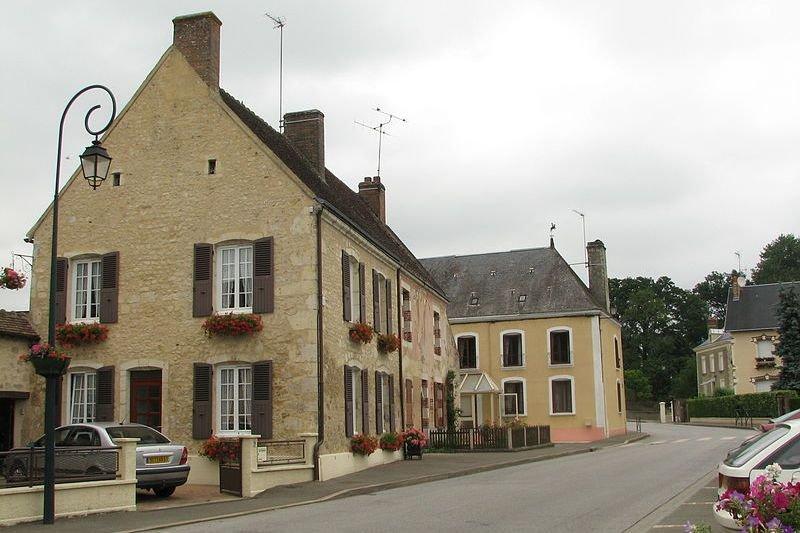 Une rue du village français Saint-Germain-de-la-Coudre.... (Photo Wikimedia Commons)