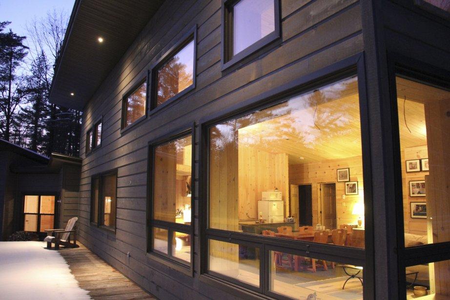 La maison de 1500pi2 construite à Montebello, en visant la certification Passive House, a une facture d'énergie d'Hydro-Québec d'environ 140$ par année. (PHOTO FOURNIE PAR MALCOLM ISAACS)