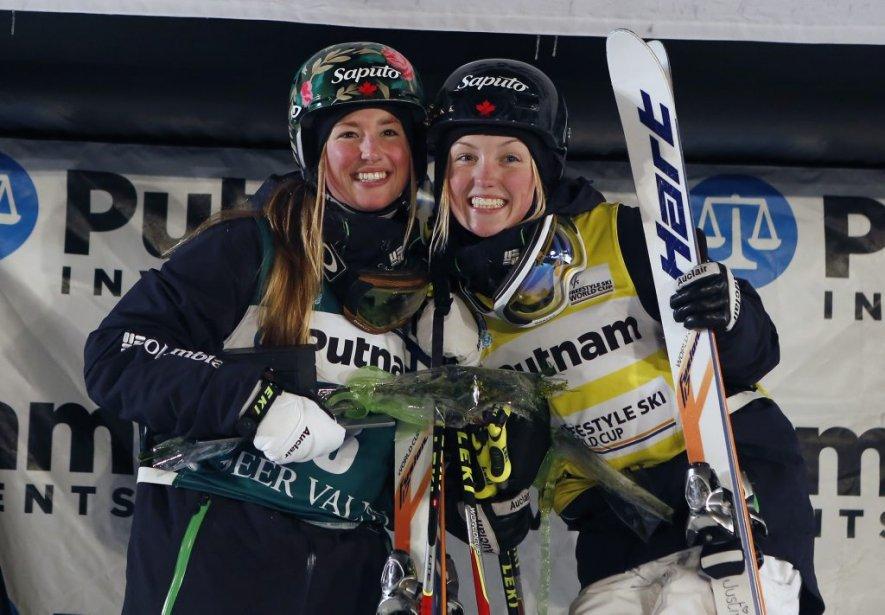 Chez les dames, Chloé Dufour-Lapointe (à gauche) a décroché la médaille d'argent, tandis que sa soeur Justine s'est adjugée celle de bronze. (Photo Jim Urquhart, USA Today)