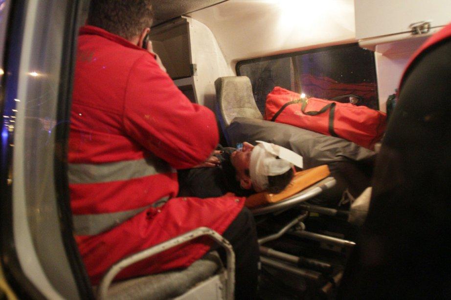 Iouri Loutsenko a été transporté dans un hôpital... (PHOTO ANATOLII BOIKO, AFP)