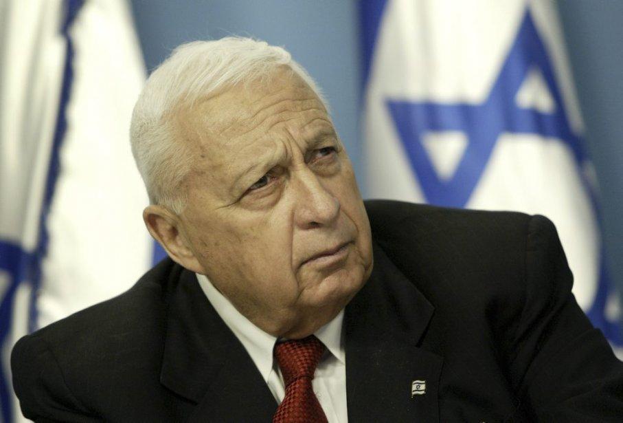 Ariel Sharon a été élu premier ministre d'Israël en 2001, puis réélu en 2003. Il était plongé dans le coma à la suite d'une attaque cérébrale le 4 janvier 2006. (PHOTO ODED BALILTY, ARCHIVES ASSOCIATED PRESS)