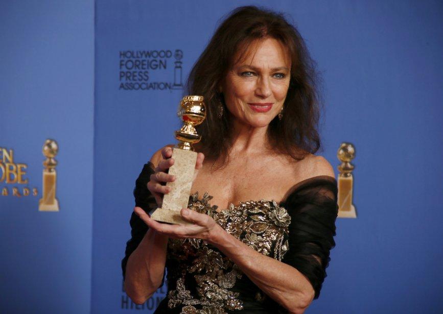 L'actrice anglaise Jacqueline Bisset a remporté son premier Globe en cinq nominations en carrière. (Reuters)