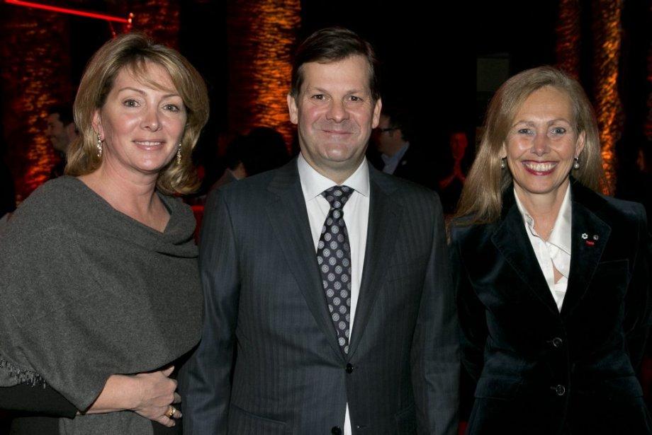 Pierre Beaudoin, président et chef de la direction de Bombardier Inc., et sa conjointe,  Hélène Robitaille (à gauche), ainsi que Monique F. Leroux, présidente et chef de la direction du Mouvement des caisses Desjardins. (Hugo-Sébastien Aubert, La Presse)