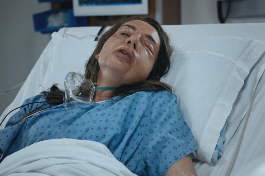 Une patiente (Mirianne Brûlé) dans un bien mauvais... (Photo: fournie par ICI Radio-Canada Télé)