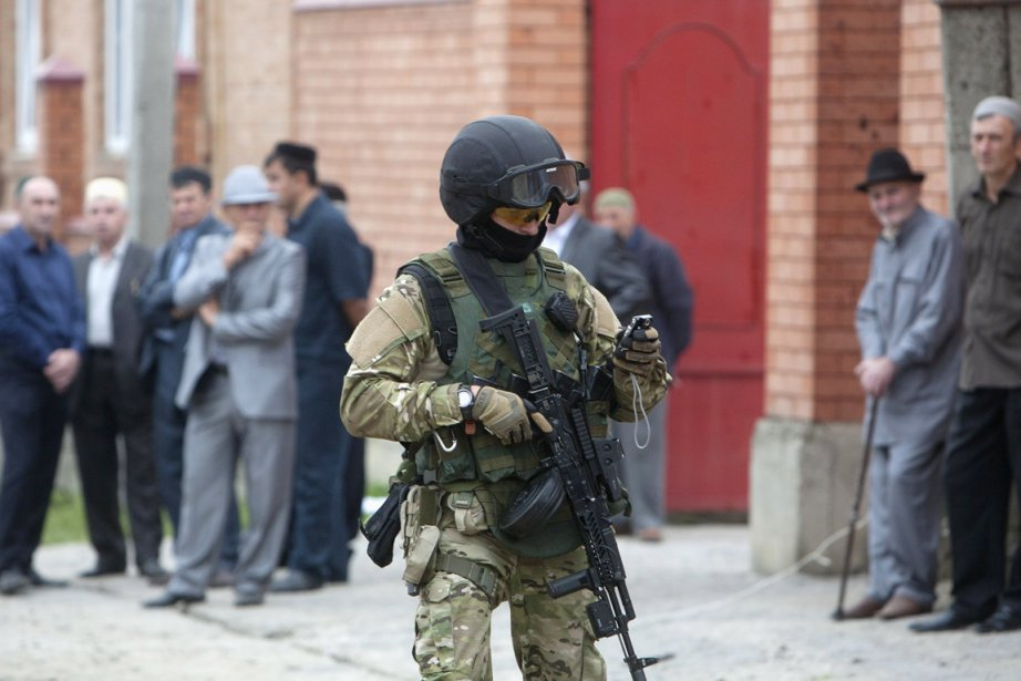 «Trois policiers des forces spéciales ont également péri... (PHOTO KAZBEK BASAYEV, ACRHIVES REUTERS)