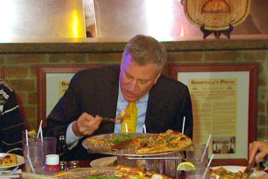 Devant les caméras, le maire de Blasio, qui... (PHOTO ARCHIVES AP/HÔTEL DE VILLE DE NEW YORK)