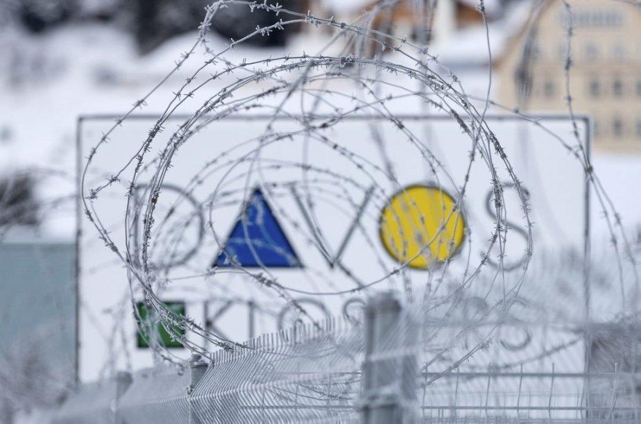 La 44e édition du Forum de Davos se... (Photo Arno Balzarini, Associated Press)