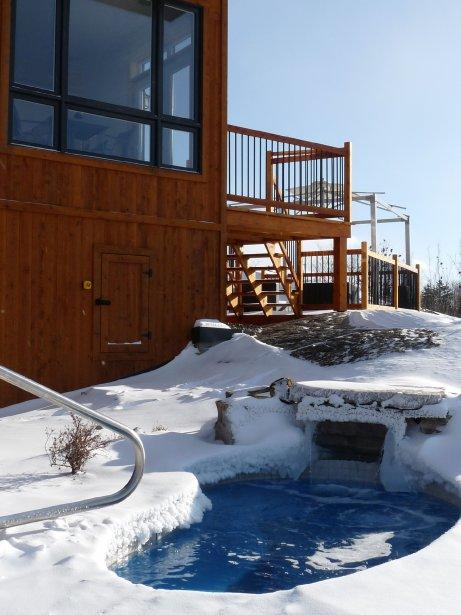 Les installations thermales du Highland comprennent les désormais bassins chauds et froids, un sauna finlandais et des salles de repos, tous en format plutôt intime. (PHOTO FOURNIE PAR ÉCO SPA HIGHLAND)