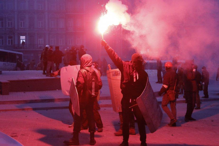 La police a chiffré à 70 le nombre... (Photo Efrem Lukatsky, AP)