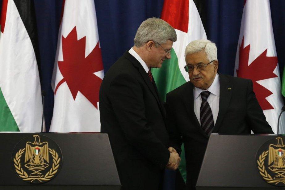 Stephen Harper et Mahmoud Abbas.... (Photo Reuters)