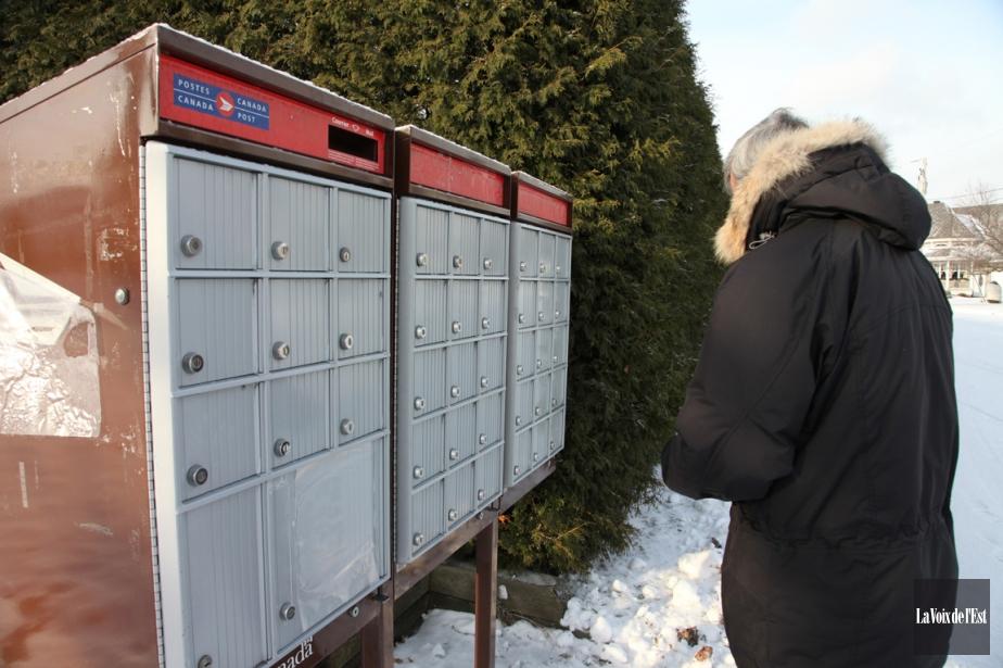 Postes Canada a annoncé jeudi que la livraison... (PHOTO ALAIN DION, ARCHIVES LA VOIX DE L'EST)