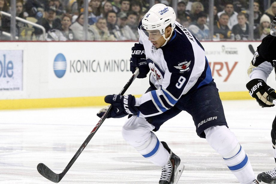 Evander Kane... (Photo Charles LeClaire, USA Today)