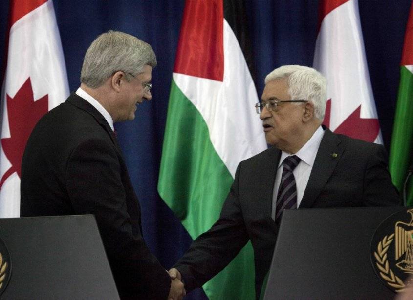 Stephen Harper et le président de l'Autorité palestinienne Mahmoud Abbas. (Associated Press)