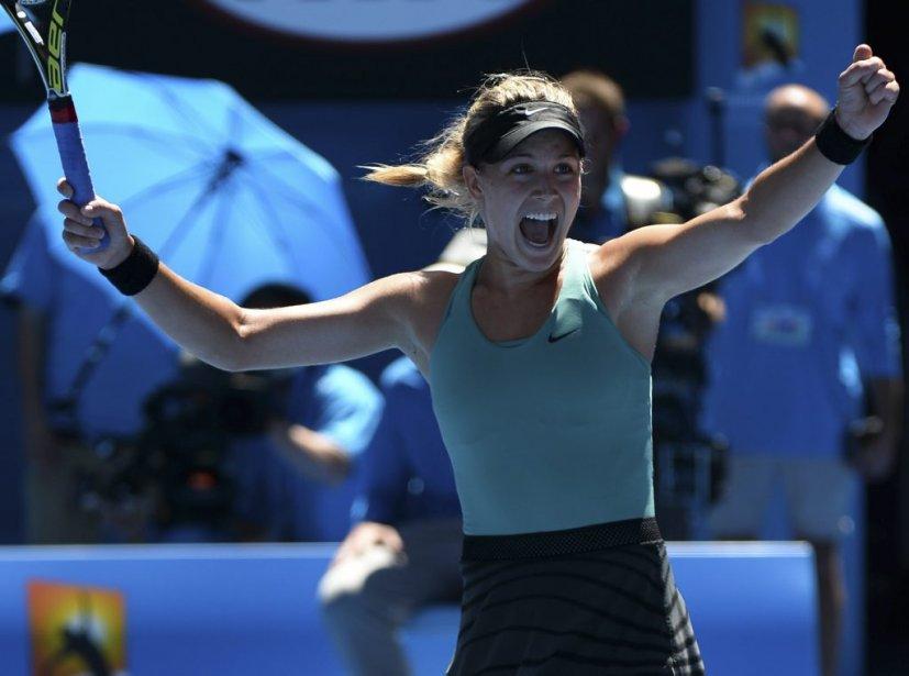 La Québécoise Eugenie Bouchard célèbre après avoir battu la Serbe Ana Ivanovic en quarts de finale des Internationaux d'Australie. (Photo William West, AFP)