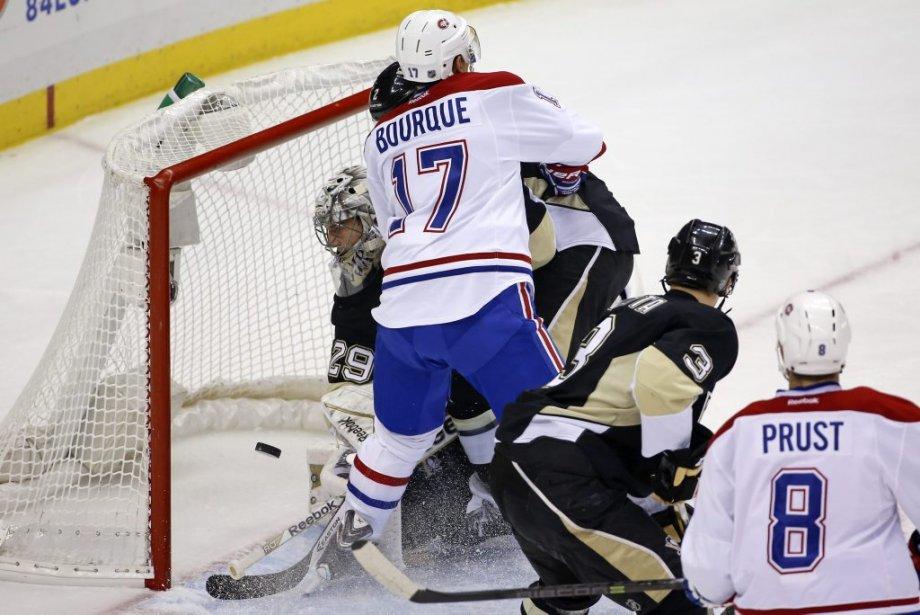 Rene Bourque a déjoué Marc-André Fleury en fin de 1re période. (AP)