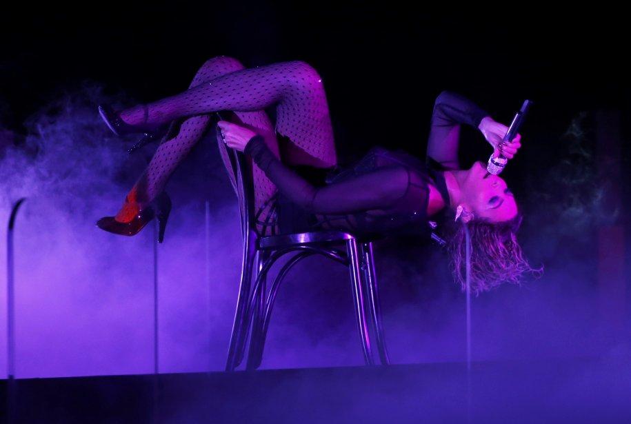 Beyoncé a ouvert la cérémonie en performant Drunk In Love. (Photo MARIO ANZUONI, Reuters)