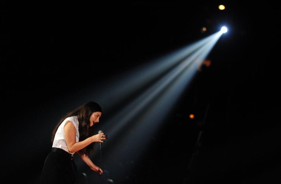 La jeune Néo-Zélandaise Lorde a interprété son grand succès Royals. (Photo FREDERIC J. BROWN, AFP)