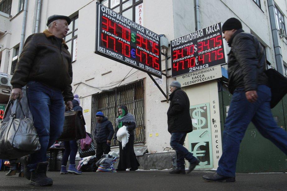Le rouble subit l'effet du resserrement de la... (Photo Reuters)