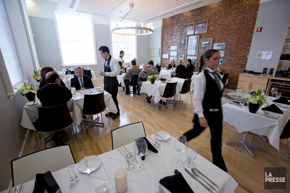 Le midi, l'endroit se prête aux dîners d'affaires,... (PHOTO ALAIN ROBERGE, LA PRESSE)