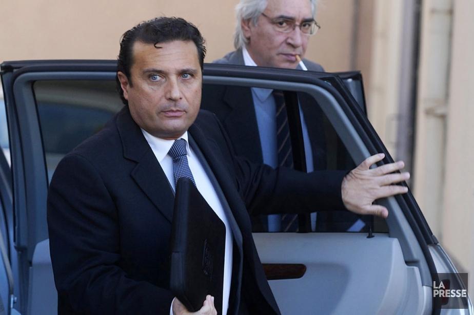 Le commandant Francesco Schettino a toujours prétendu qu'il... (PHOTO ALESSANDRO LA ROCCA, ARCHIVES AP/LA PRESSE)