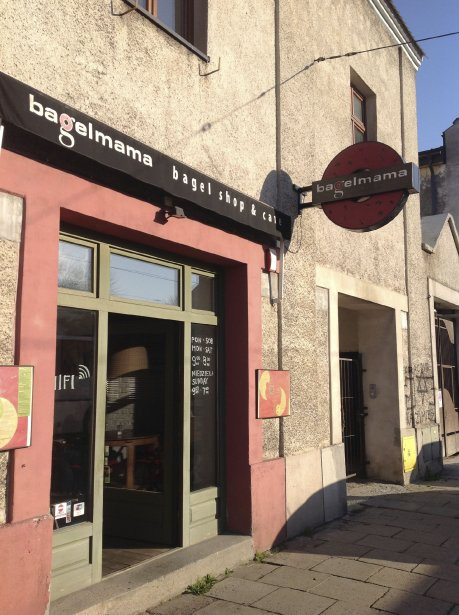 Le quartier Kazimierz compte des dizaines d'excellents restaurants dont Bagel Mama. (Photo Louis-Samuel Perron, La Presse)