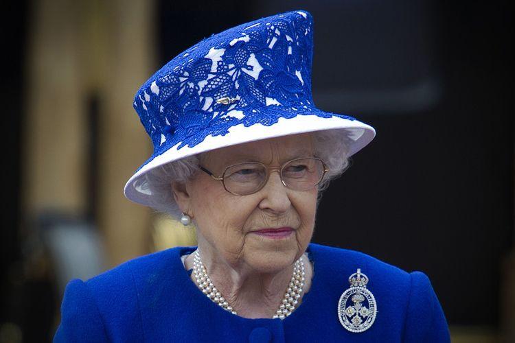 La reine Elizabeth II... (PHOTO AFP)