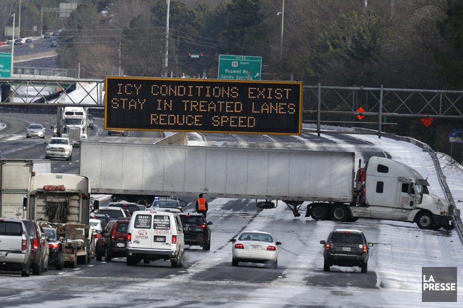 C'était le chaos mercredi sur les routes de... (Photo: AP)