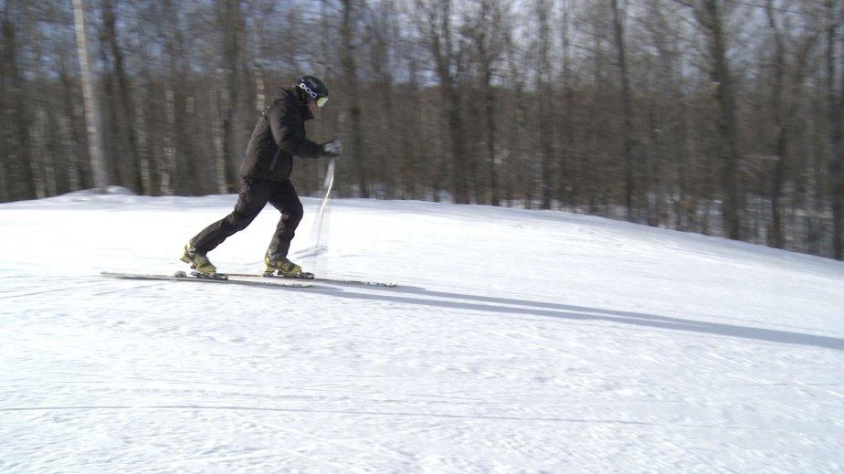 Le télémark est en quelque sorte l'ancêtre du ski alpin moderne, inventé il y a près de 4000 ans en Norvège pour faciliter les déplacements entre des villages pendant la longue saison froide. (Photo Frédéric Lafleur, La Presse)
