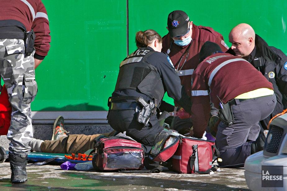 Un homme dans la quarantaine est décédé... (PHOTO PATRICK SANFAÇON, LA PRESSE)