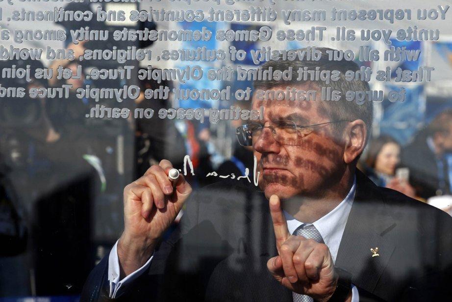 Le président du CIO, Thomas Bach, a signé... (Photo Eric Gaillard, Reuters)