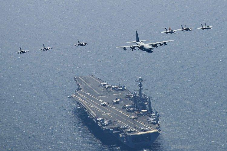 Outre ses 10 porte-avions, la Marine américaine a... (Photo: AP)