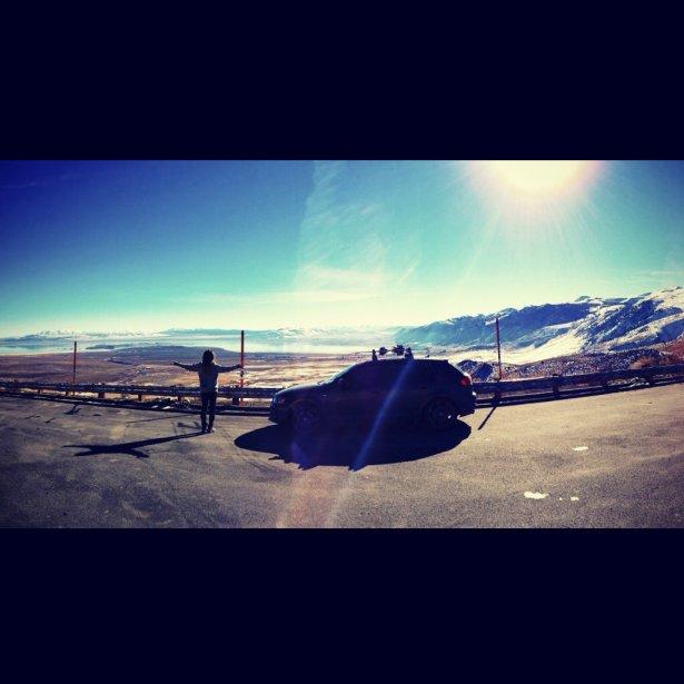 «Dans ma carrière, je voyage beaucoup, en avion ou en voiture, souvent dans les montagnes. Ceci est une photo prise sur la route menant de Mammoth Lakes au lac Tahoe, où j'ai fait de l'entraînement sur trampoline.» ()