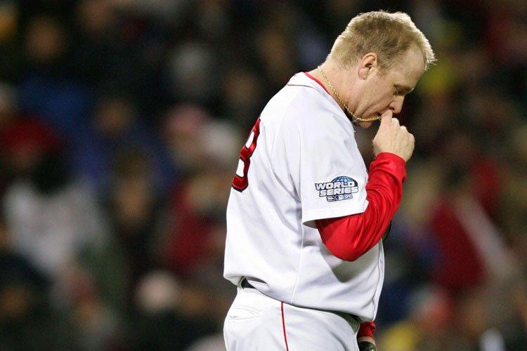 Curt Schilling dans l'uniforme des Red Sox en... (Photo: Reuters)