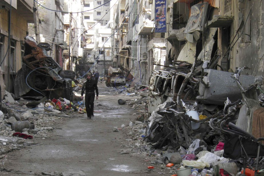 Les quartiers rebelles de Homs sont assiégés par... (PHOTO THAER AL KHALIDIYA, ARCHIVES REUTERS)