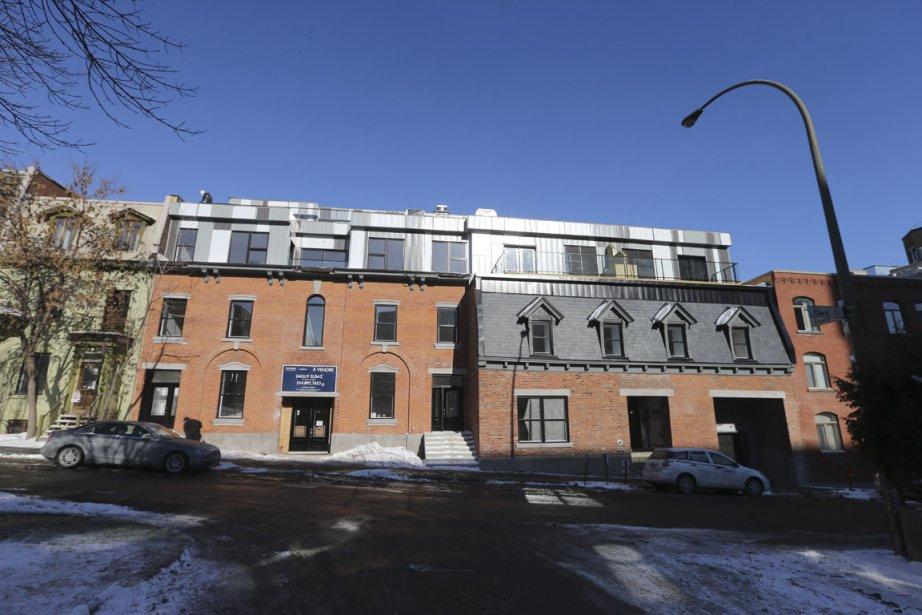 Rue Clark, le Groupe Goldev a rénové à grands frais deux immeubles construits en 1873. Ceux-ci ne formaient plus qu'un édifice depuis plusieurs décennies et avaient perdu leur vocation résidentielle. (Photo Martin Chamberland, La Presse)