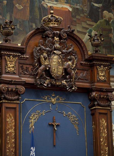 Le crucifix de l'Assemblée nationale, installé en 1936... (Photo Jacques Boissinot, archives la Presse Canadienne)