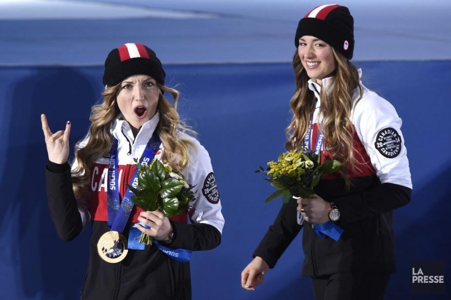 Justine et Chloé Dufour-Lapointe, médaillées d'or et d'argent... (Photo Bernard Brault, La Presse)