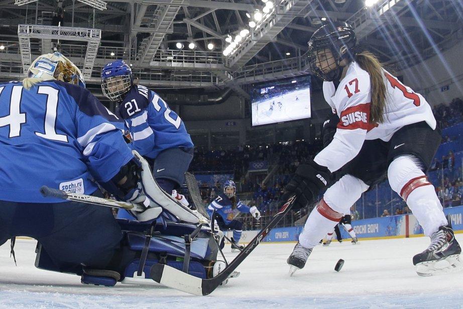 Un duel entre la Finlande et la Suisse.... (Photo Matt Slocum, Agence France-Presse)