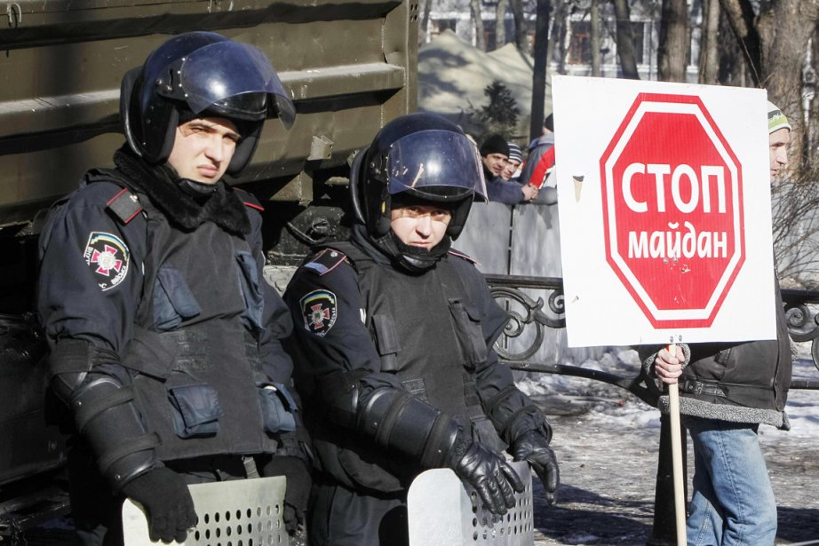 Le camp des partisans du président Ianoukovicth, surnommé... (PHOTO GLEB GARANICH, REUTERS)