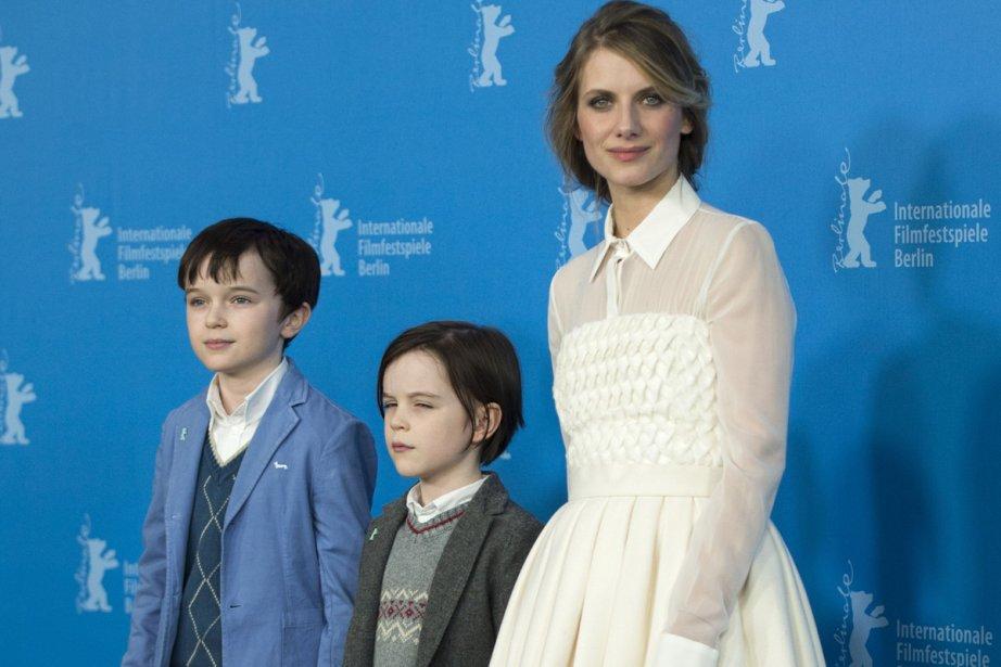 Mercredi 12 février 2014 : Mélanie Laurent et les enfants acteurs Zen McGrath et Winta McGrath accompagnait le film «Aloft» présenté en compétition à la Berlinale. (Photo: AFP)