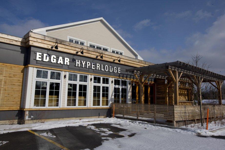 Une visite à l'Edgard Hyperlodge vous permettra de prendre une bouchée en buvant une bière brassée sur place. (Photo Alain Roberge, La Presse)